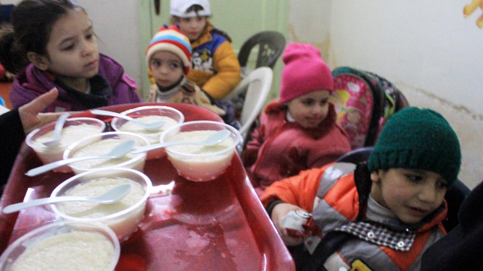 HHC | Schule in Syrien. Die Kinder erhalten in der Schule wenigstens einmal am Tag eine warme Mahlzeit.